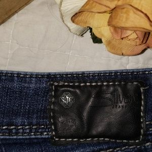 Womens jeans 32 x 28 (approx)